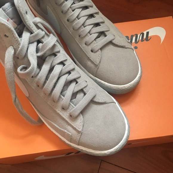 cheaper 83f2e d4446 Limited edition grey white NIKE BLAZER MID